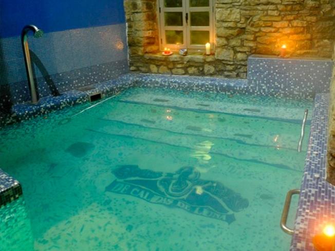 Encaixas alojamiento con desayunos piscina termal m s for Alojamiento con piscina